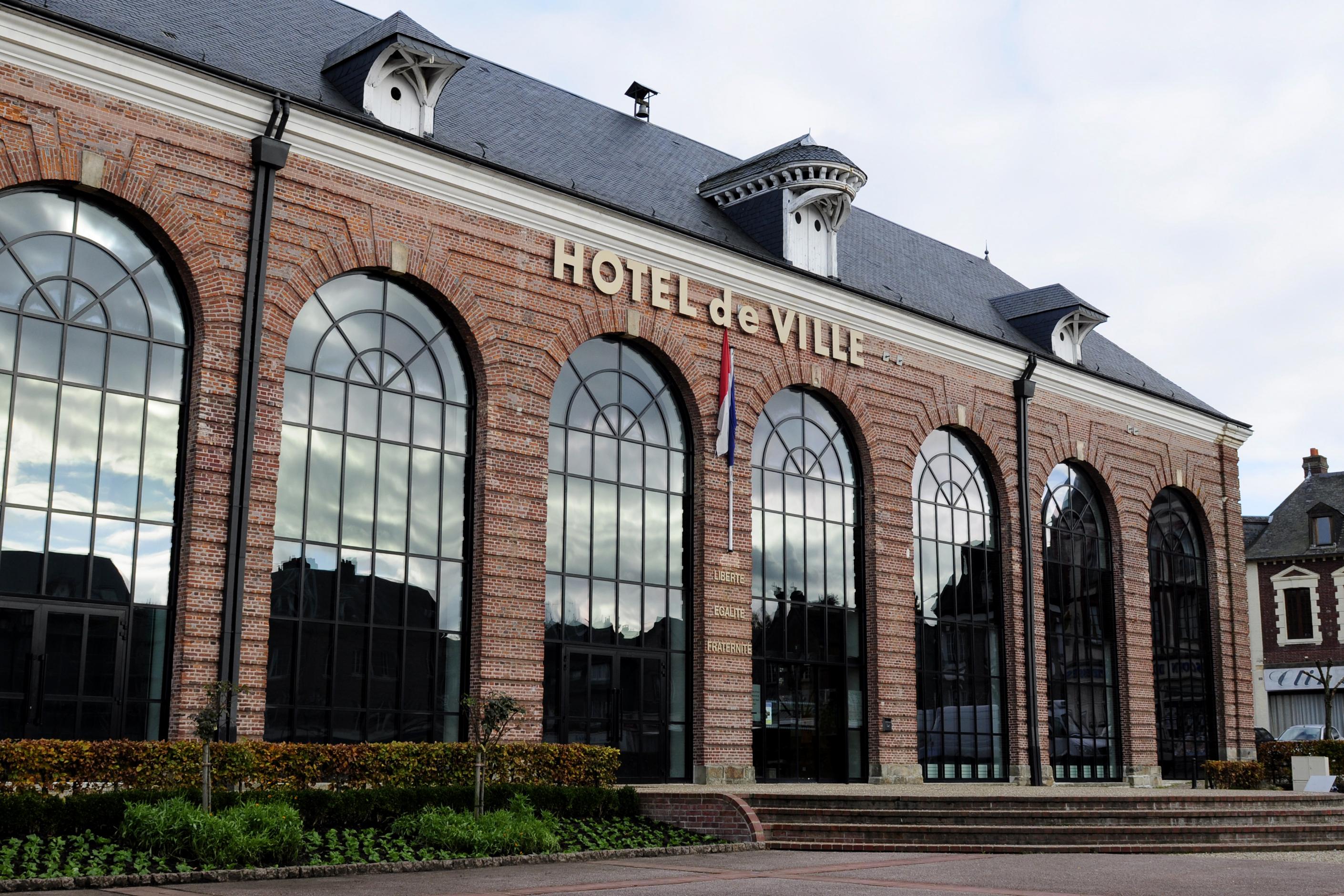 HOTEL DE VILLE Doudeville